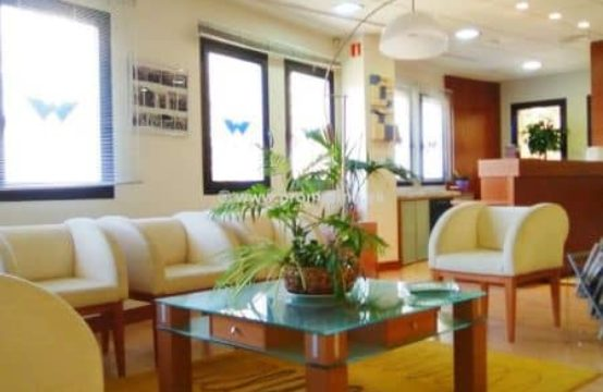 Beautiful office in the business center in Denia Town center