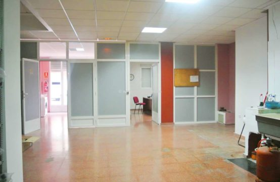 Estupendo Commercial property for sale located in Denia area