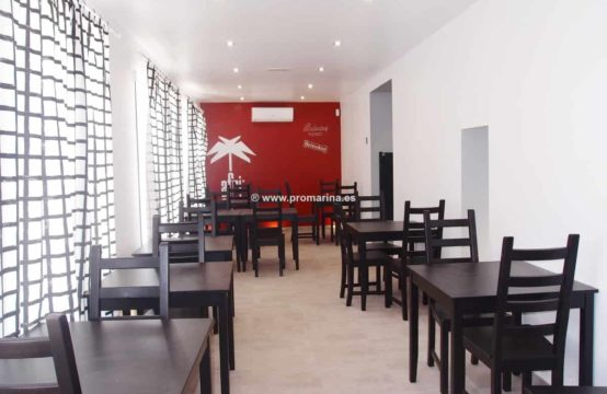 It is sold restaurant – bar and recently renovated apartment in Dénia