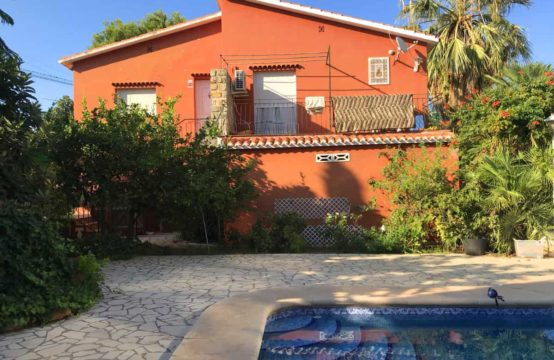 PRO1747<br>Villa independiente de 2 plantascon amplia parcela