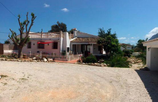 PRO1899A<br>Alquiler de estupendo Chalet en Denia zona Torrecarrals
