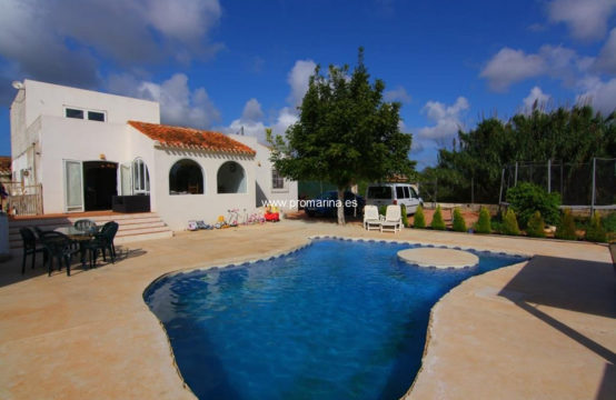 PRO2036C<br>Fantastic semi-renovated finca for sale in Javea