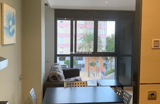 PRO2049A<br>Alquiler anual de apartamento en casco urbano con vistas al puerto