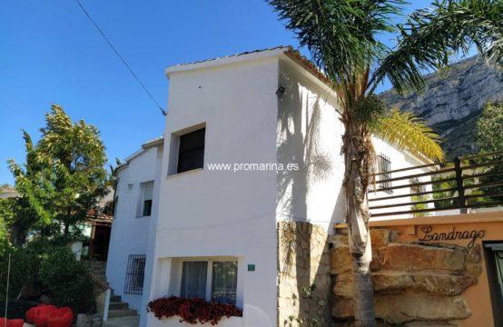 PRO2141<br>Wunderschöne renovierte Villa mit Meer- und Montgó-Blick