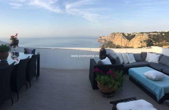 PRO2176C<br>Impressionnant bungalow avec vue sur la mer
