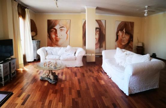 PRO2251<br>Amplio piso semireformado en el centro de Dénia