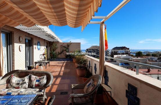 PRO2274<br>Fantástico ático en el casco urbano con vistas al mar
