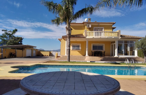 PRO2279A<br>Large villa for rent in Denia